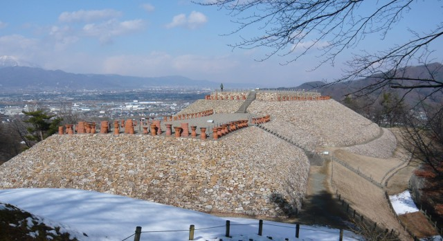 更埴市にある長野県最大の前方後円古墳