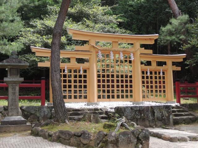 桧原神社:三輪の三つ鳥居のみ。本殿拝殿はない。